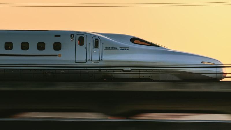 新幹線を簡単なスペイン語で説明してみよう!